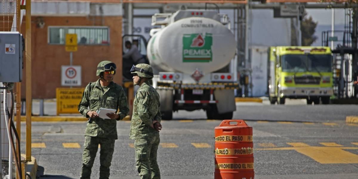 Vinculan a proceso a tres militares por robo de hidrocarburos