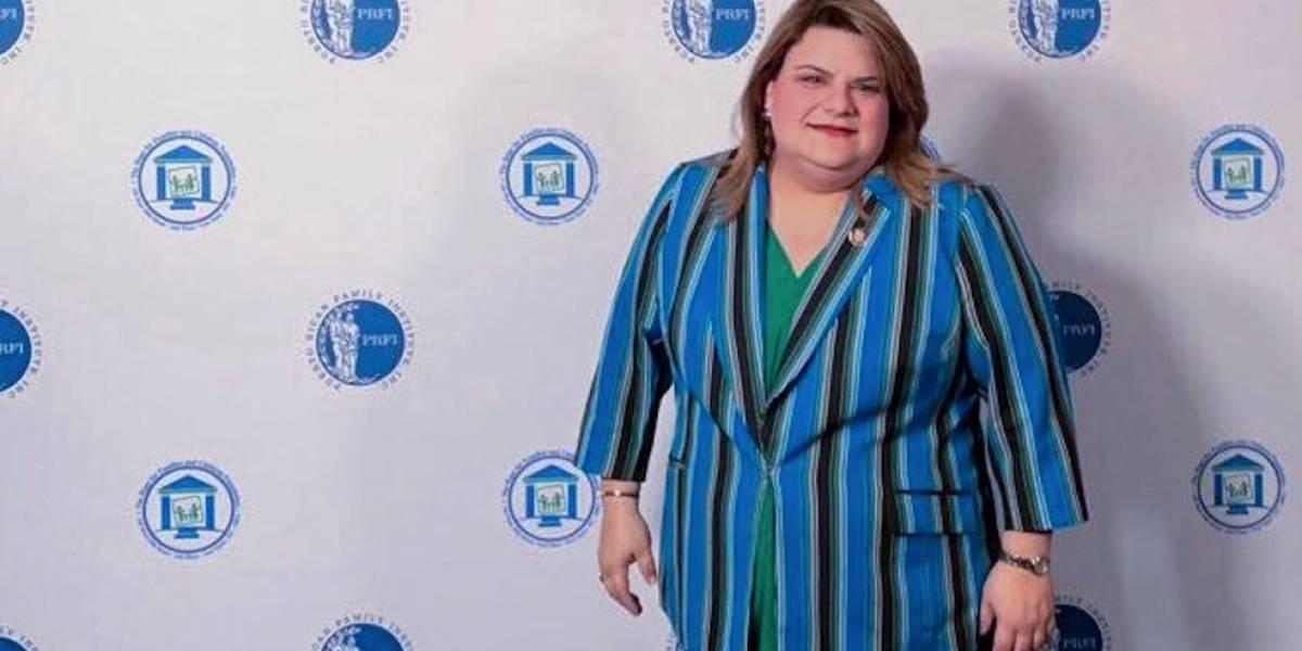 Premian en Nueva York a comisionada residente por su trayectoria