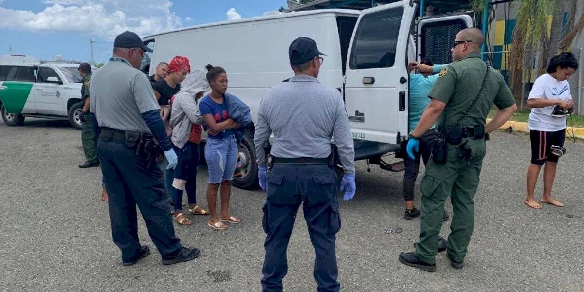 Rescatan dos dominicanos heridos en acantilado costero
