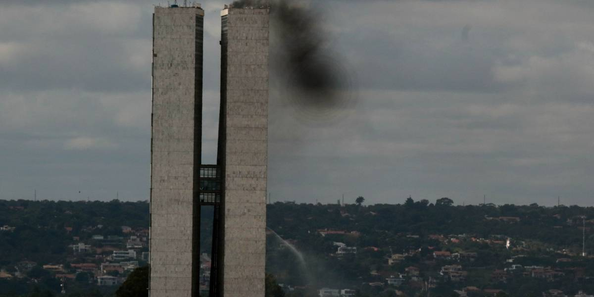 Simulação de incêndio no Congresso Nacional assusta servidores