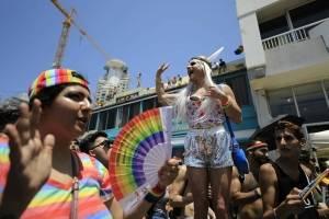 Multitudinaria marcha LGBT+ en Tel Aviv