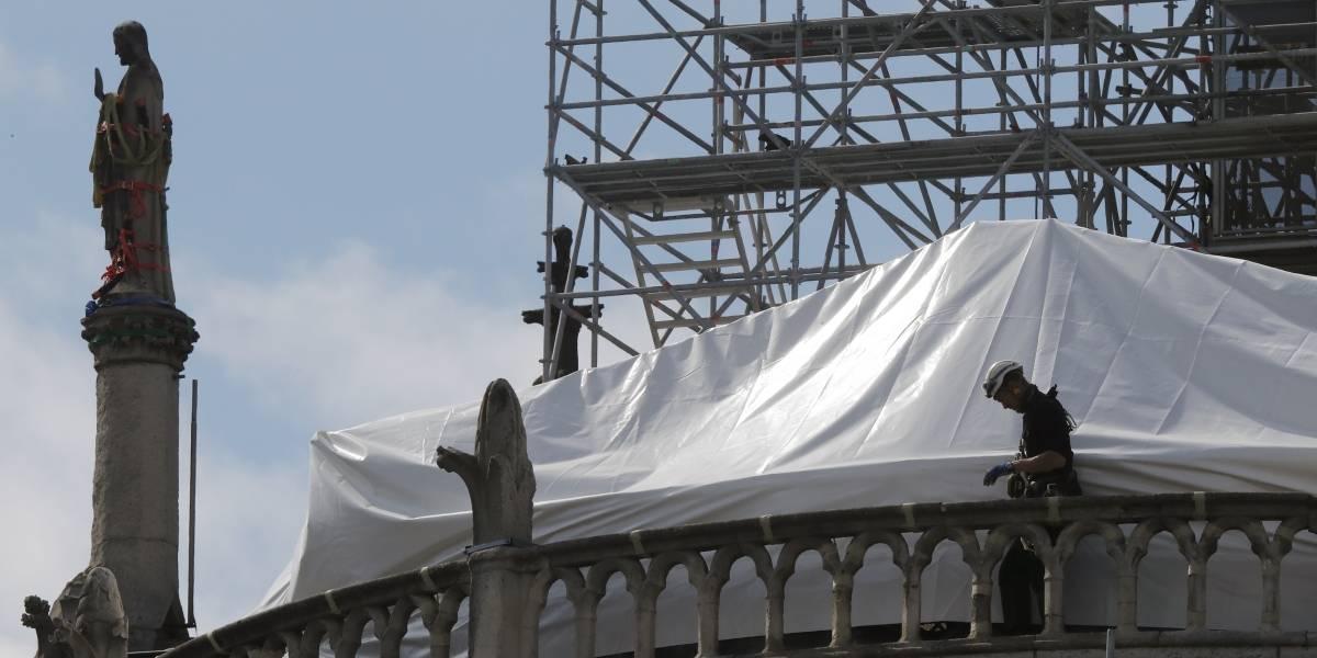 Pura boca: grandes donantes para la catedral de Notre Dame todavía no dan ni un centavo
