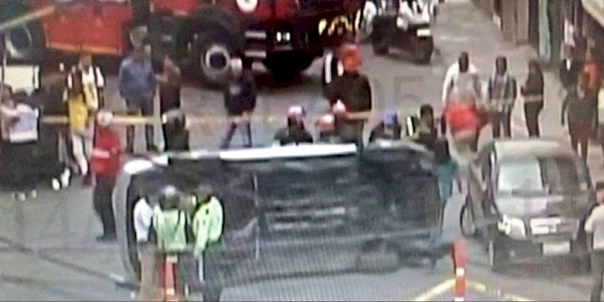 Automóvil se vuelca al sur de Quito