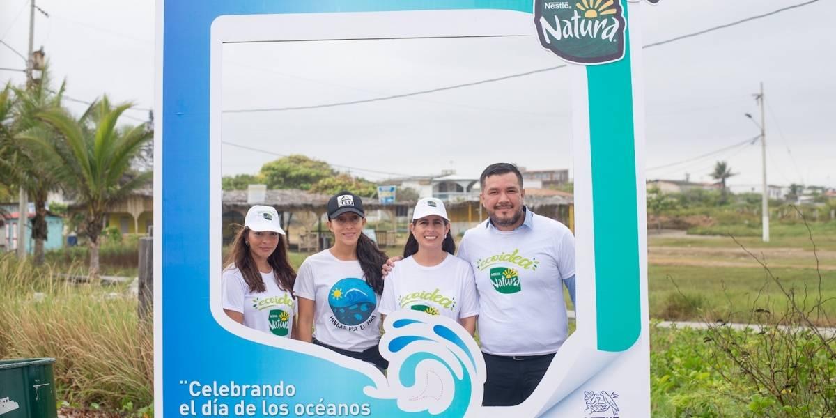 Nestlé realiza limpieza de playas en General Villamil Playas