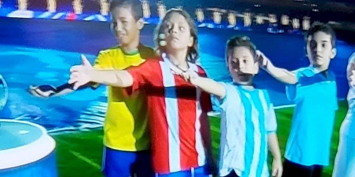 ¿Era Chile o Paraguay? La rara camiseta de la Roja que apareció en la inauguración de la Copa América