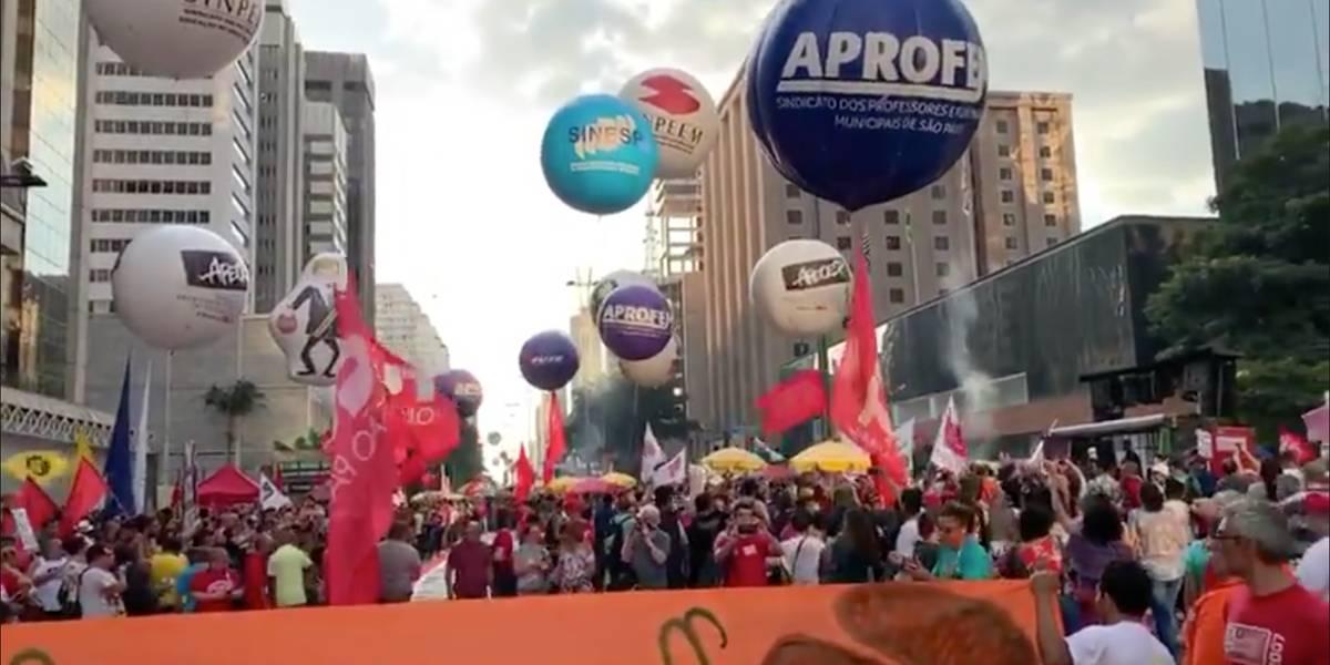 Greve Geral: avenida Paulista é interditada por manifestantes