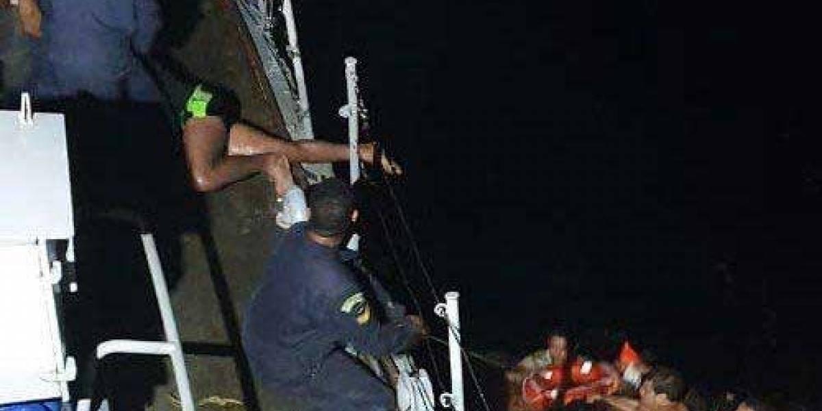 Marinha resgata nove vítimas de naufrágio em Fernando de Noronha; um segue desaparecido