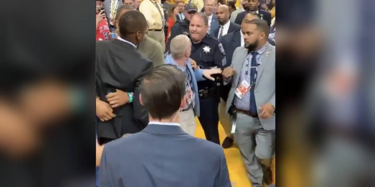 VIDEO: Presidente de los Raptors golpea a policía tras título de la NBA