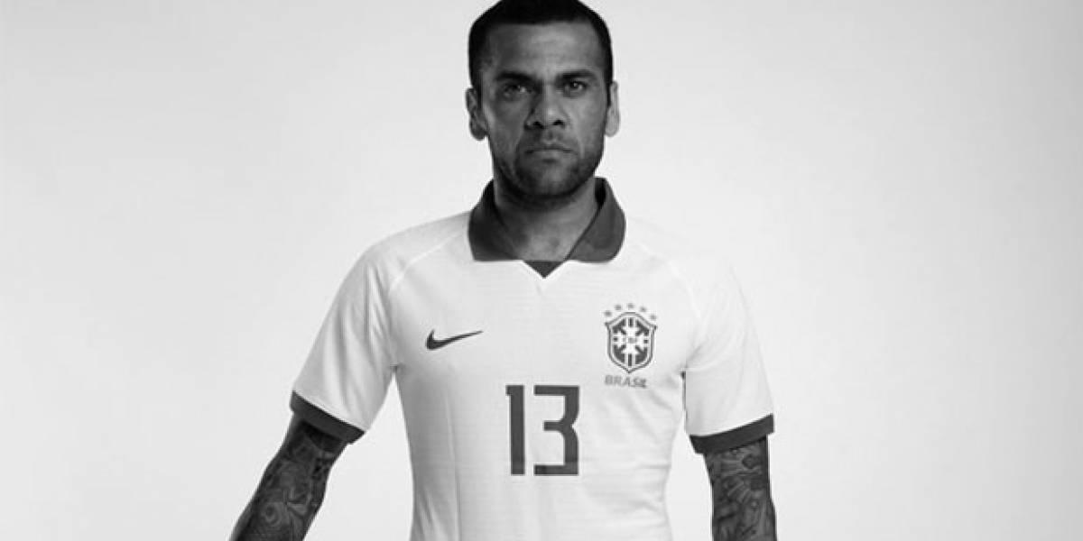 Homenagem: Seleção masculina joga de camisa branca na estreia da Copa América