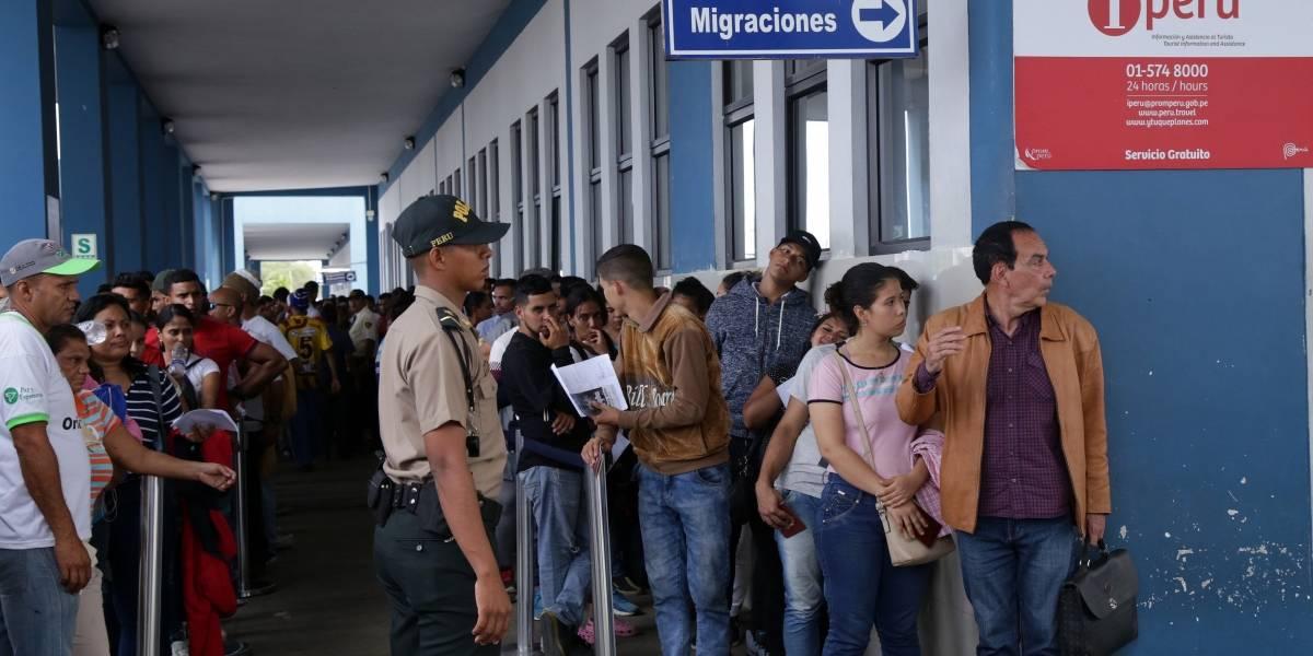 Miles de venezolanos intentaron ingresar a Perú poco antes de que entre en vigencia la visa