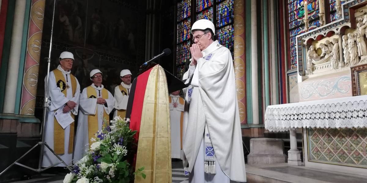 Notre Dame celebra su primera misa tras devastador incendio