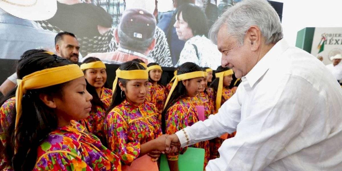 AMLO pide a Carlos Slim no dejar a gente sin trabajo en Chihuahua