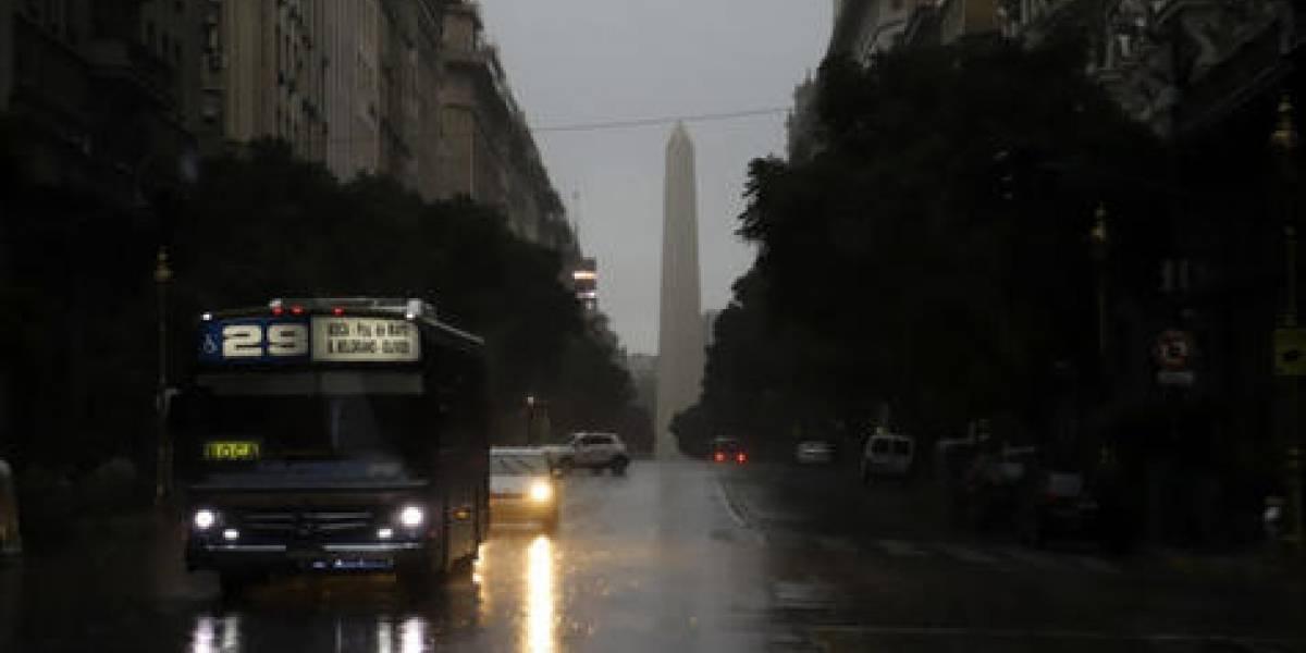 Argentina y Uruguay se quedaron a oscuras y nadie sabe por qué