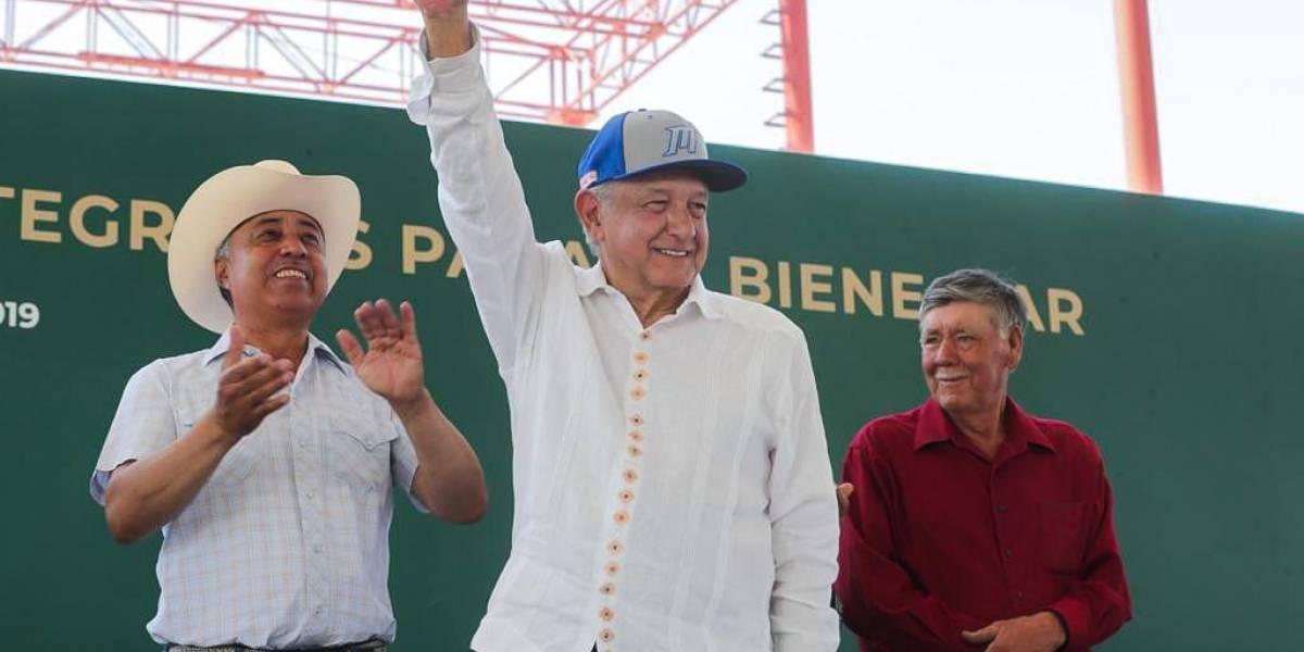 Habrá atención médica y medicamentos gratuitos en México: AMLO