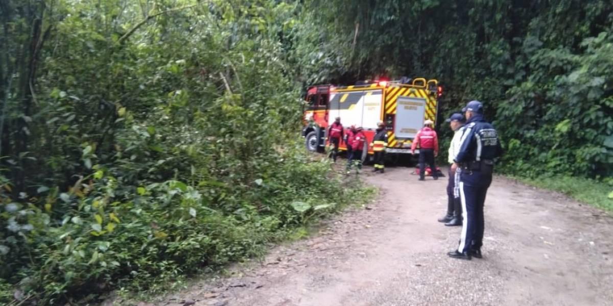 Seis heridos por vehículo que se precipitó por un barranco a una altura de 100 metros