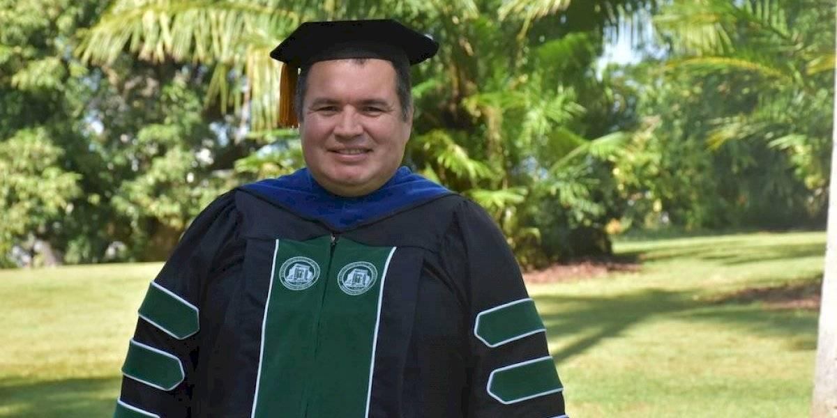 Colombiano recibe primer grado de doctorado en Ingeniería Eléctrica del RUM