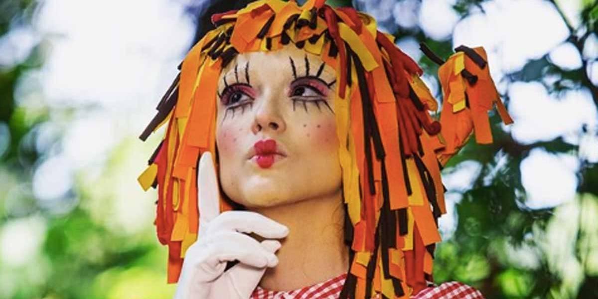 Isabelle Drummond volta a ser Emília, do 'Sítio do Picapau Amarelo'