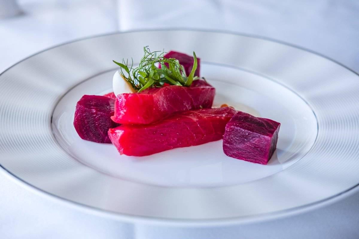 Salmón, tuna, caviar, postres, en fin todo lo que le pedimos el chef respondió sin problemas. Suministrada por Latitud Perfecta