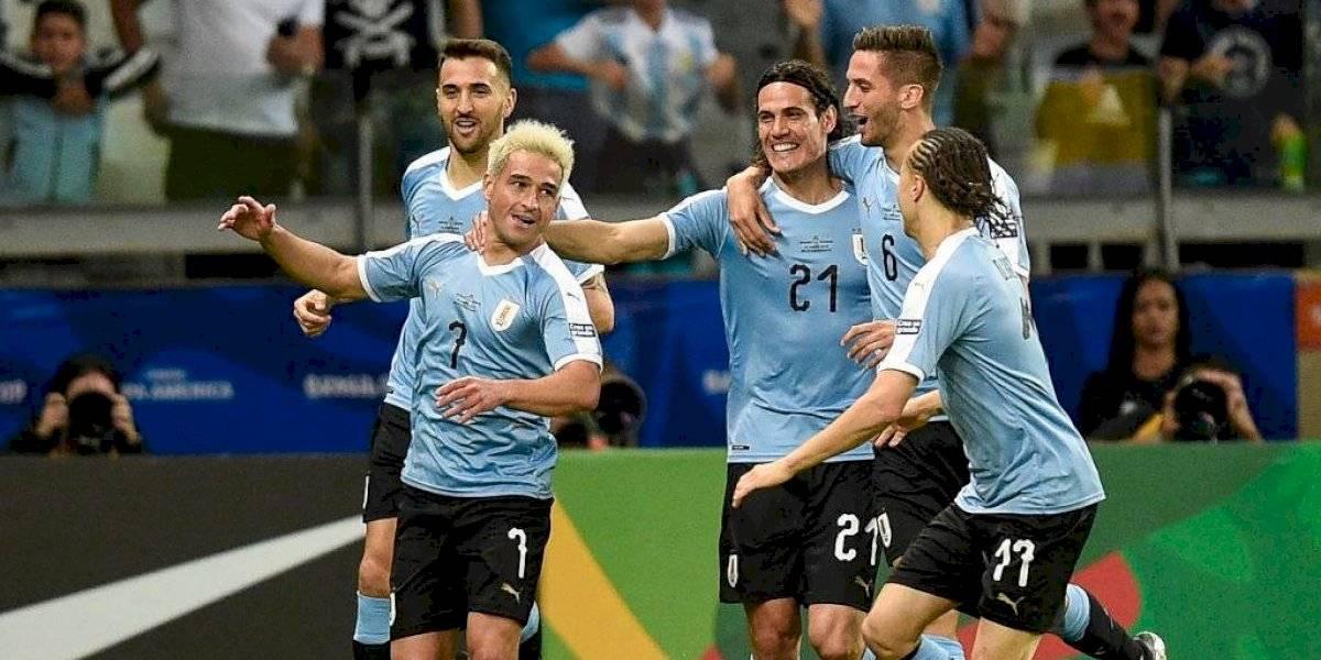 La garra charrúa golea en su presentación en Copa América