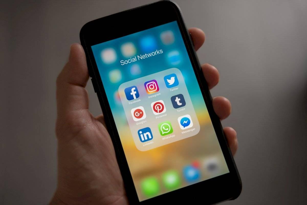La clave mágica para ahorrar batería en tu celular: Desinstala Facebook