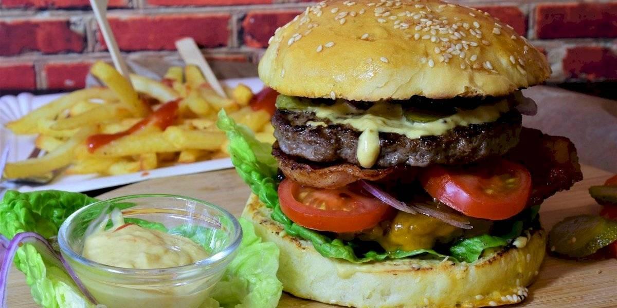 Este hábito combinado com uma dieta rica em fast food pode causar danos irreversíveis ao cérebro