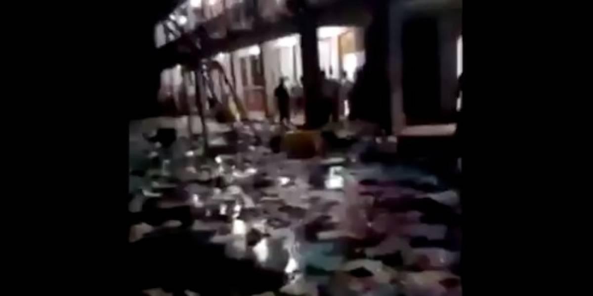 VIDEO. Pobladores rechazan resultados en Iztapa, queman papeletas y las arrojan a la lluvia