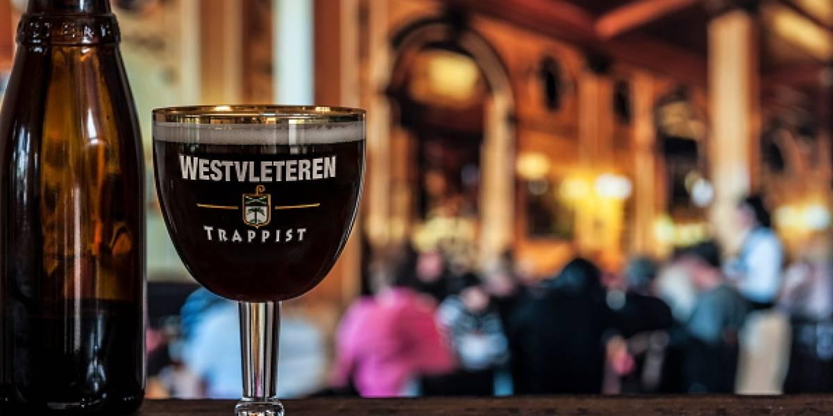 """La Westvleteren es fabricada por 19 monjes en Bélgica: es la """"mejor cerveza del mundo"""" y desde ahora se podrá comprar por Internet"""