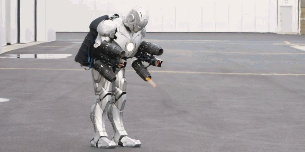 El tipo de Mythbusters crea una armadura de Iron Man que vuela