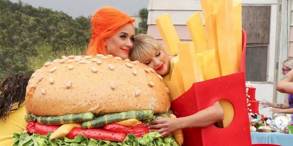 Taylor Swift y Katy Perry juntas como hamburguesa y papas fritas