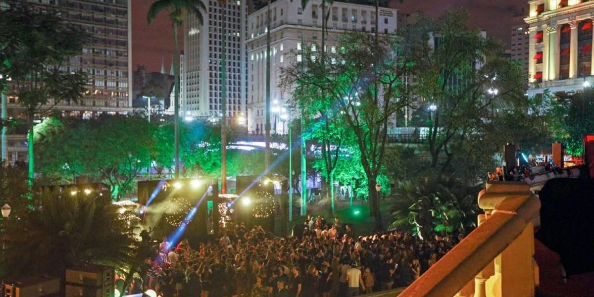 Prefeitura aplica multa por festa de luxo no Anhangabaú; prefeito e secretário estavam no evento