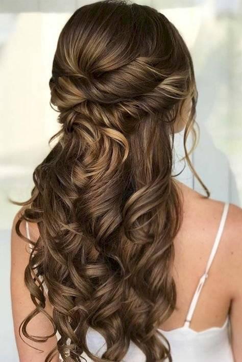 Peinados para graduación con cabello suelto