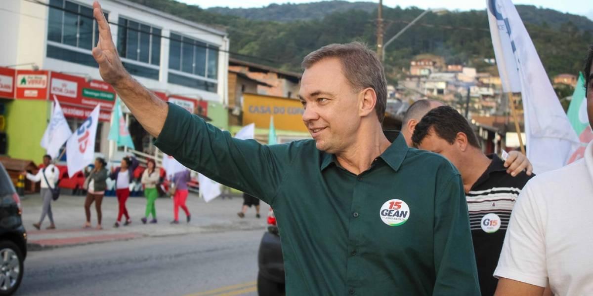 Prefeito de Florianópolis é preso suspeito de interferir em investigações policiais