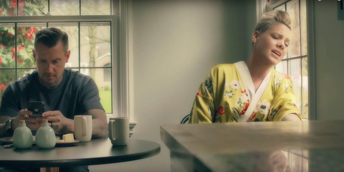 Pink lança clipe para música '90 Days'; assista