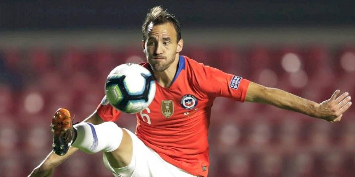 """Quinteros llena de elogios a Fuenzalida: """"Es de esos jugadores importantísimos que tiene una generación en un país"""""""