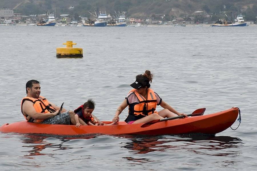 ballenas, avistamiento de ballenas, ecuador, noticias