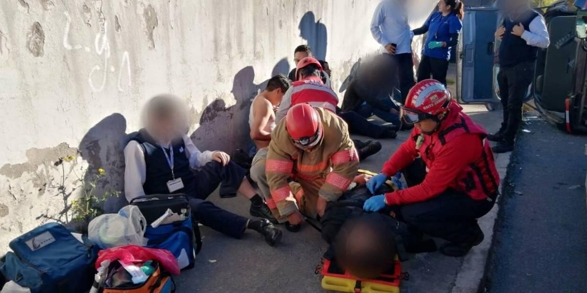 Quito: Ocho heridos dejó un accidente de tránsito en el sector Carcelén Industrial