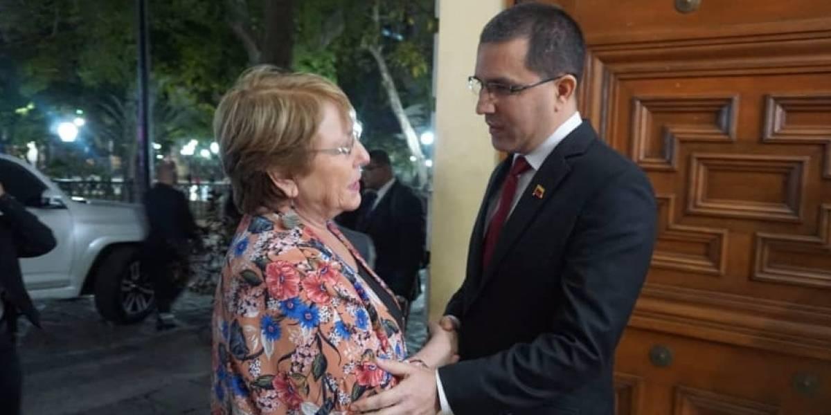 """Bachelet tras reunirse con canciller de Maduro: """"vengo a escuchar todas las voces"""""""