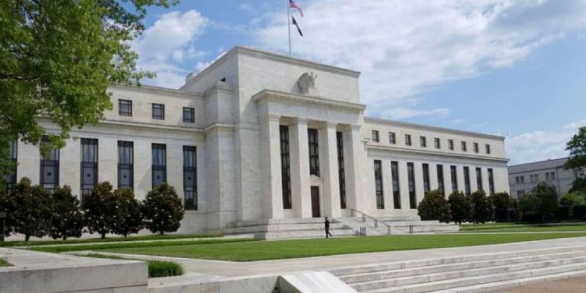 Estados Unidos mantiene tasa de interés en 2.50%, pero la recortaría en 2019