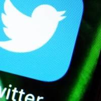 Coronavirus: Twitter obligará a borrar publicaciones de conspiración contra vacunas