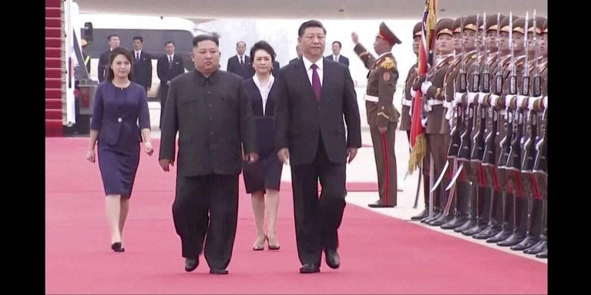 Fue recibido por 10 mil personas que agitaban flores: así fue el histórico encuentro entre el presidente chino y Kim Jong-un en Corea del Norte