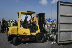 Malasia devolverá 450 toneladas métricas de residuos plásticos contaminados