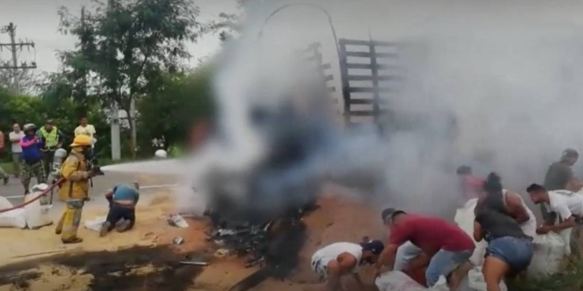 Conductor de tractomula muere incinerado tras fuerte accidente