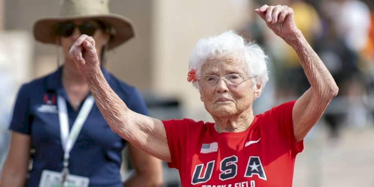Anciana de 103 años rompe récord en los 50 metros
