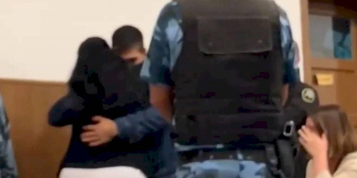 El increíble gesto de una mujer con el asesino de su hijo que dejó a todos llorando en un tribunal