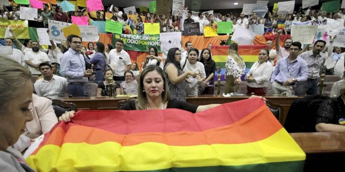 Morena abre proceso a diputados que votaron contra matrimonio igualitario