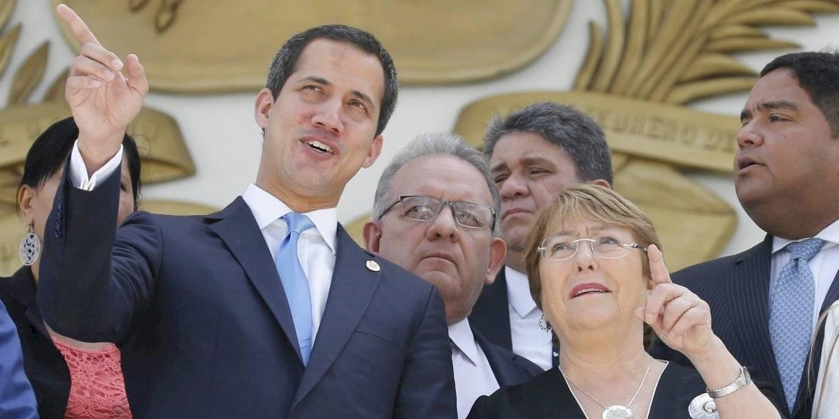 """Guaidó tras reunión con Bachelet en Venezuela: """"Nos manifestó que está insistiendo por la liberación de los presos políticos"""""""