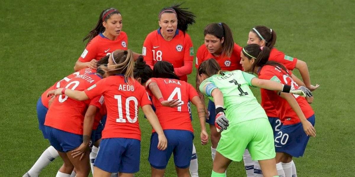 """Ministra Kantor le tira la pelota a los clubes: """"El fútbol femenino no puede seguir en esta etapa precaria"""""""