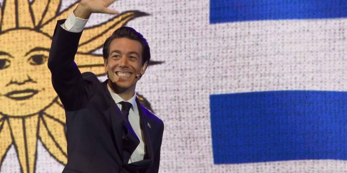 Multimillonario se vuelve protagonista polémico de campaña electoral