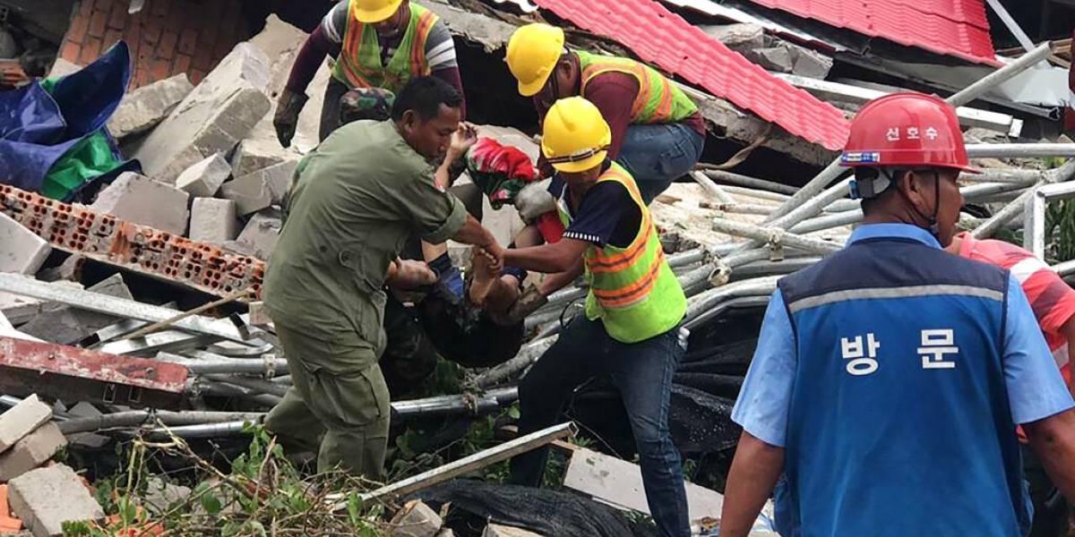 Derrumbe de edificio deja al menos siete muertos y una veintena de heridos en Camboya