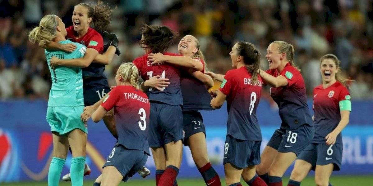 Noruega se hizo fuerte en los penales y clasificó a cuartos de final del Mundial femenino